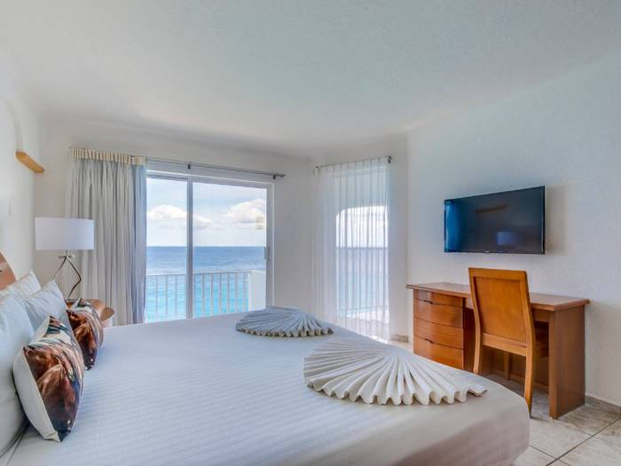 Double one bedroom suite coral princess golf & dive resort hotel cozumel