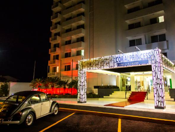 Outdoor parking coral princess golf & dive resort hotel cozumel